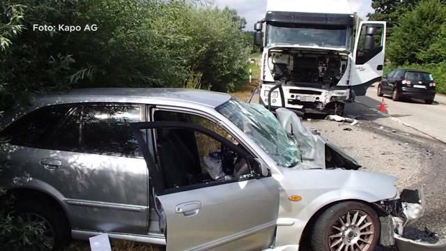 Zwei schwere Unfälle auf Aargauer Strassen