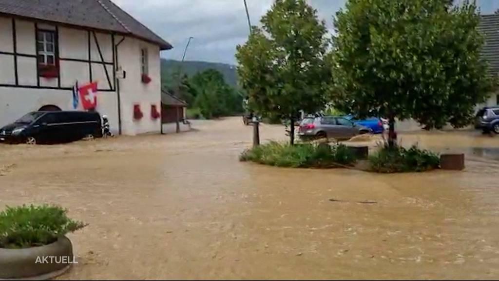 Sturzflut überschwemmt ganz Wölflinswil