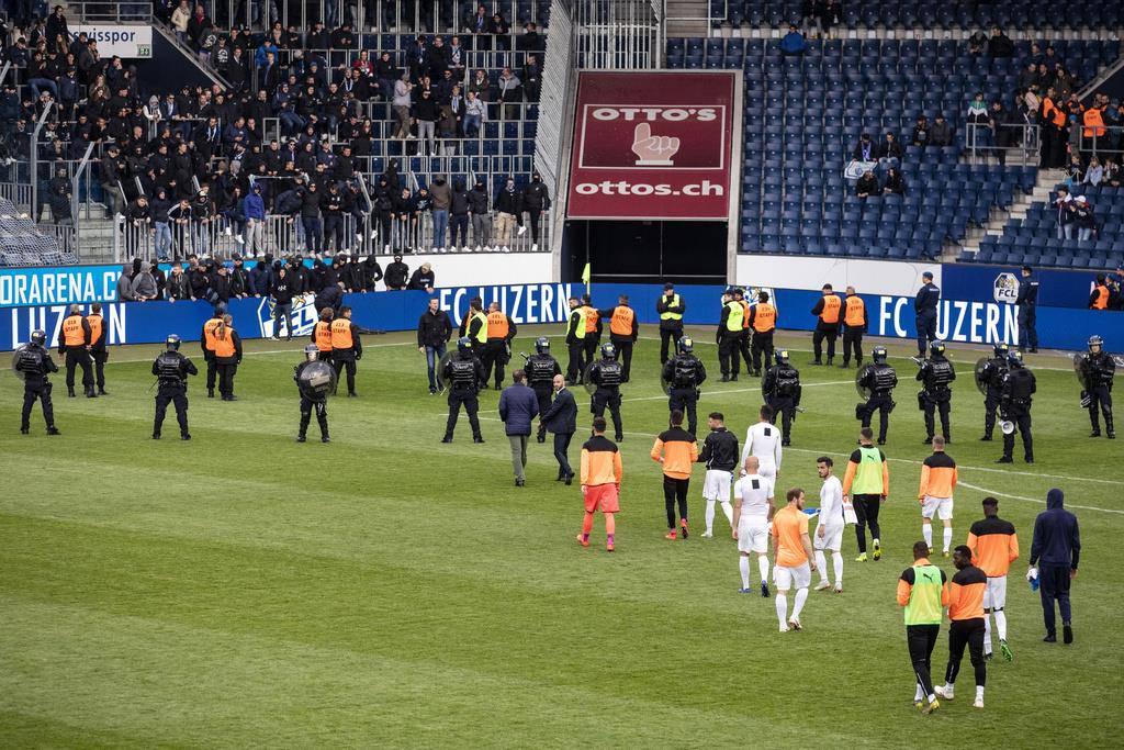 GC-Fans provozieren Spielabbruch (© Keystone)