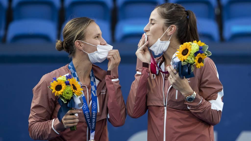 Olympiahelden rund um Bencic landen am Flughafen Zürich