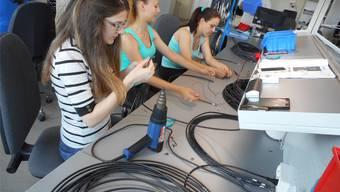 Junge Mitarbeiterinnen sollen vom dualen Ausbildungssystem profitieren. ZVG