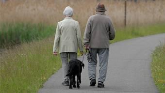 Den Preis für die Corona-Hilfsmilliarden werden die Erwerbstätigen bezahlen. Die Senioren könnten allerdings ebenfalls einen Beitrag leisten.