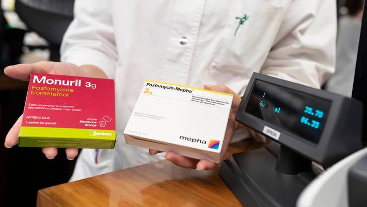 Im Zweifelsfall günstig: Apotheken und Ärzte sollen auf billige Medikamente setzen, so die Gesundheitskommission des Nationalrats. (Symbolbild)