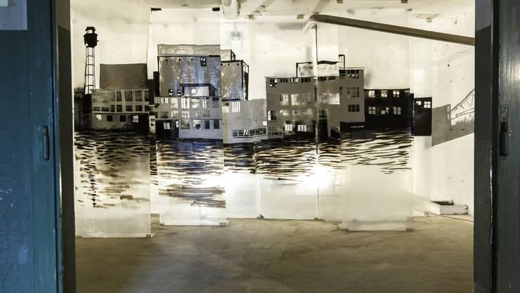 Blick in einen Raum, in dem der afrikanische Künstler Van Andrea aus Brazzaville, Kongo, sein Werk ausstellt.
