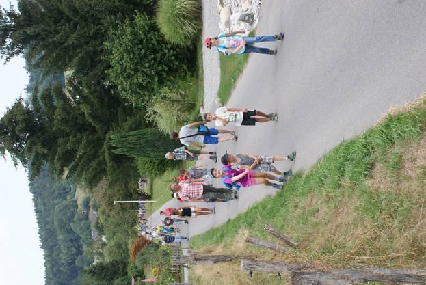 Die Teilnehmer sind unterwegs Richtung Jägerhütte