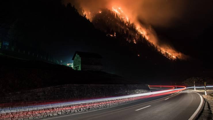 Der grosse Waldbrand im Misox über die Festtage: Unachtsamkeit steht als Brandursache im Raum.