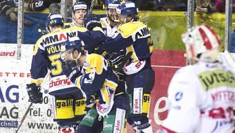 Der SC Langenthal jubelt im dritten NLB-Playoff-Finalspiel über den ersten Sieg