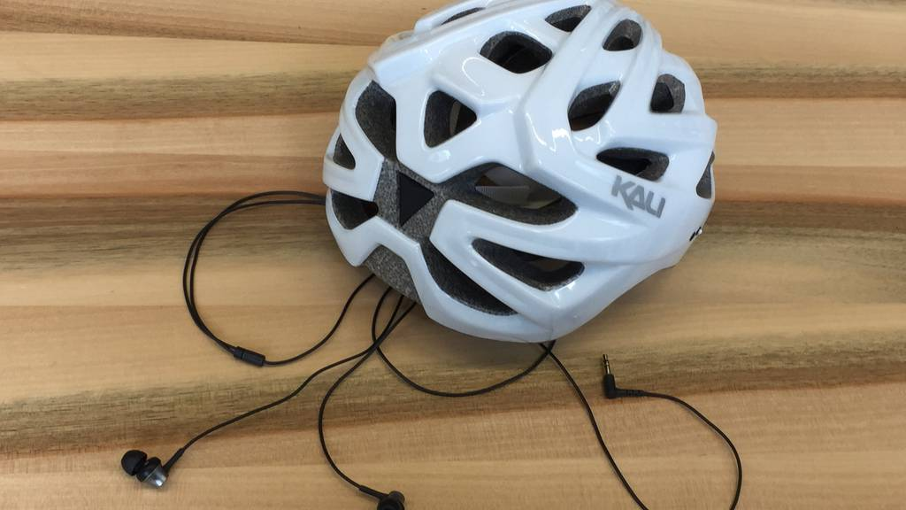 Kopfhörer-Verbot für Velofahrer