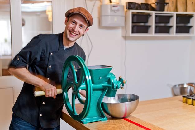 In seiner Küche pröbelt er an neuen Geschmacksrichtungen.