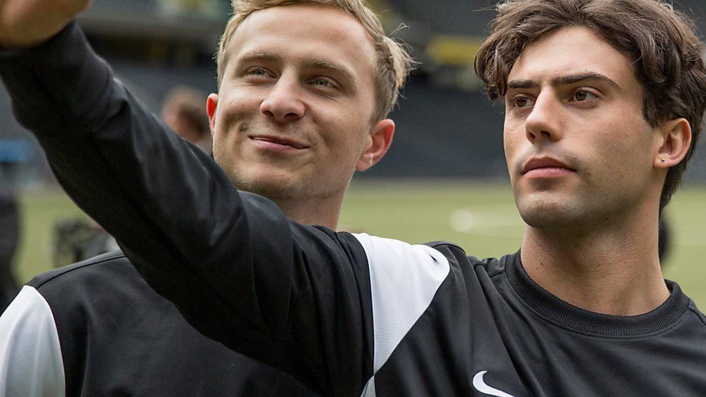 Erst Konkurrenten, dann Mitbewohner und später Liebende: Mario (links) und Leon, gespielt von Max Hubacher und Aaron Altaras.