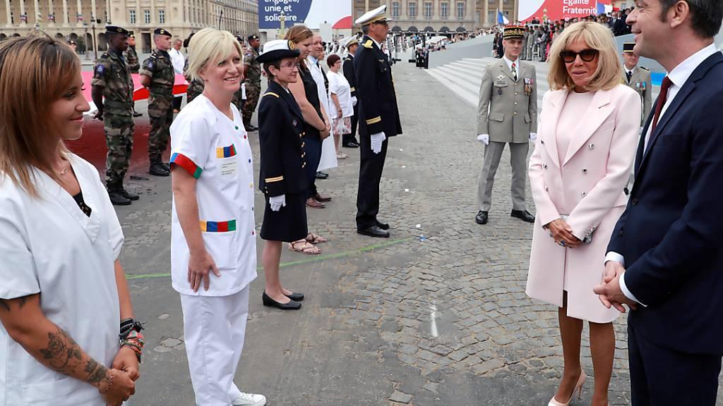 Frankreich würdigt am 14. Juli Pflegekräfte für Corona-Einsatz