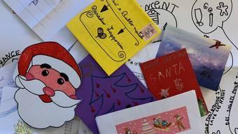 Die Schweizerische Post erhielt an Weihnachten 2020 über 34'000 Kinderbriefe für den Weihnachtsmann oder das Christkind.