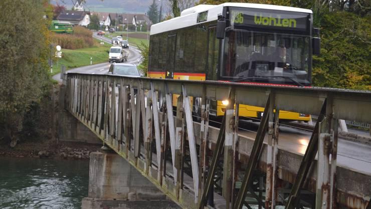 In der nächsten Woche können keine Fahrzeuge, auch keine Postautos, über die Reussverbindung rollen. sl