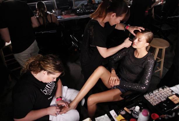 Backstage an der Fashion Week