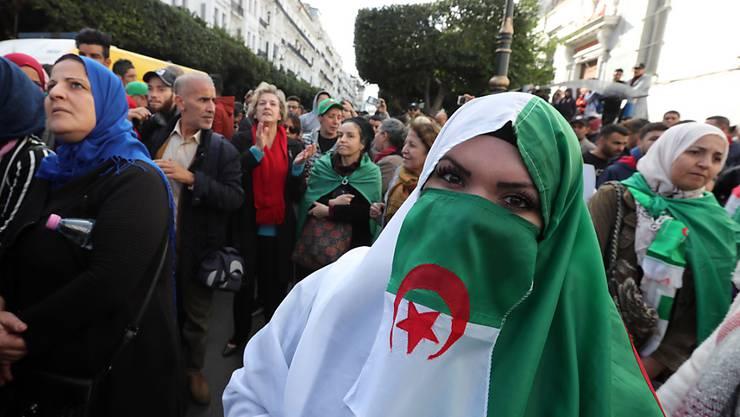 Protestmarsch in der Hauptstadt Algier.