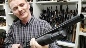 Der Nationalrat bewilligt Massnahmen gegen Waffengewalt (Symbolbild)