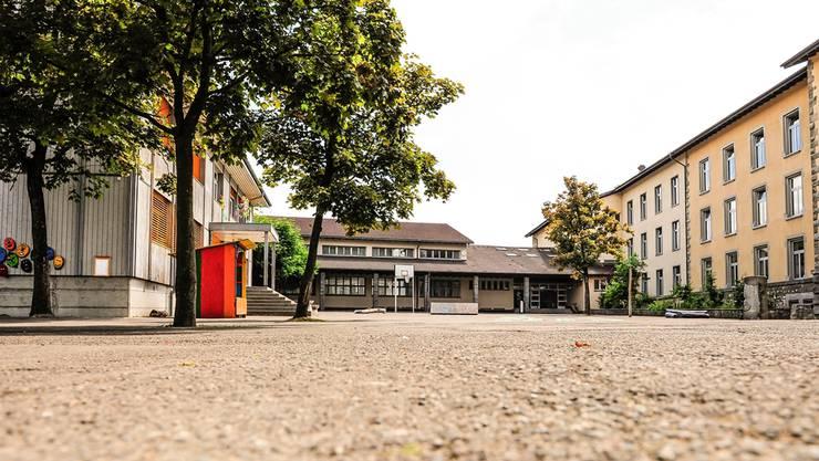 Die Wohler Bezirksschule soll aus der Schulanlage Halde ausquartiert werden und in einen Neubau ziehen, wenige Meter westlich auf dem Pilatus-Areal.
