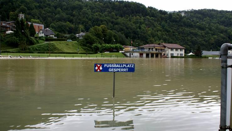 2007 wurde in Liesberg sogar der Fussballplatz weggespült. (Archiv)