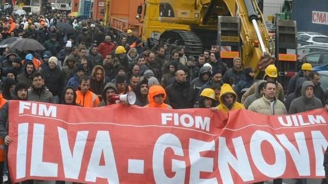 ILVA-Stahlarbeiter an einer Kundgebung in Genua im November letzten Jahres