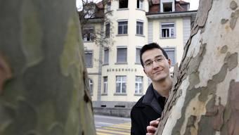 Richard Aschberger vor dem Bürgerhaus Grenchen, wo er künftig als Ratsmitglied amtet.