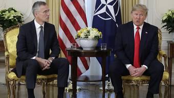 US-Präsident Trump übt bei einem Treffen mit Nato-Generalsekretär Jens Stoltenberg scharfe Kritik am französischen Präsidenten Emmanuel Macron.