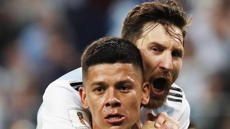 Marcos Rojo trifft zum Siegestor für Argentinien.