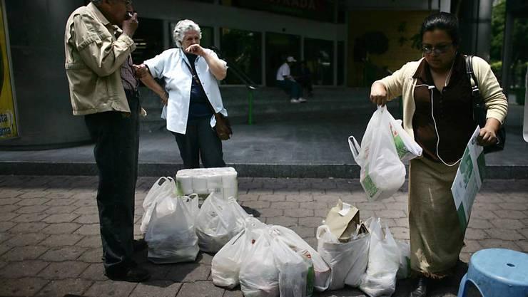 Damit ist bald Schluss: Die Bewohner von Mexiko-Stadt sollen keine Einweg-Plastiksäckli mehr verwenden (Archivbild).