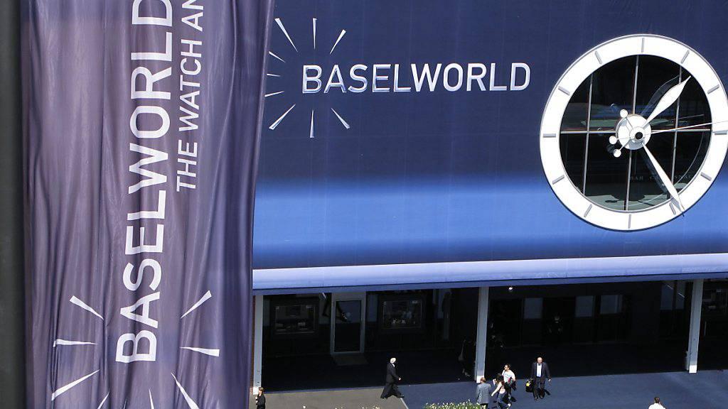 Die Uhrenmesse Baselworld wird es in ihrer alten Form nicht mehr geben. Gemeinsam mit Händlern und den rund 600 Ausstellern sucht Messechef Michel Loris-Melikoff nach einem neuen Format. (Archivbild)