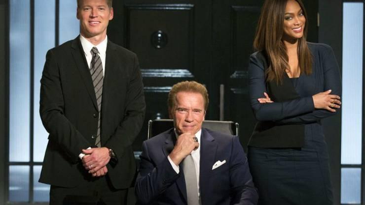 """Arnold Schwarzenegger als Donald Trumps Nachfolger in der Casting Show """"Celebrity Apprentice"""". Trump scherzt über Schwarzeneggers schlechte Einschaltquote. (Archivbild)"""