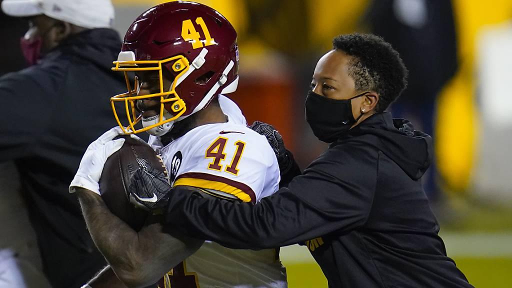 Jennifer King erste afroamerikanische Vollzeit-Trainerin in der NFL