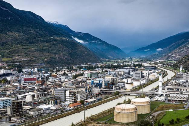 Der Moderna-Impfstoff wird von Lonza in Visp im Wallis hergestellt.
