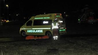 Eine Ambulanz in der Nähe des Tatorts