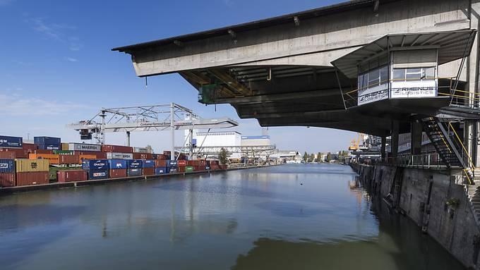 Die Containerverladung am Basler Hafen soll bis 2022 verdoppelt werden.