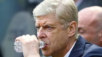 Kritischer Blick von Arsène Wenger: Sein Arsenal verliert in Newcastle