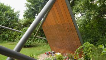 Fürs Anbringen einer Namenstafel am Gemeinschaftsgrab (im Bild) auf dem Friedhof Rohrdorf sollen statt 500 nur noch 200 Franken verlangt werden