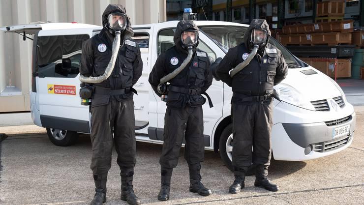 Französische Polizisten trainieren für den G7-Gipfel in Biarritz.