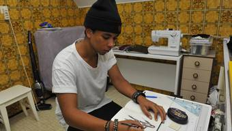 Der junge Modedesigner Aaron Doupko möchte durchstarten.