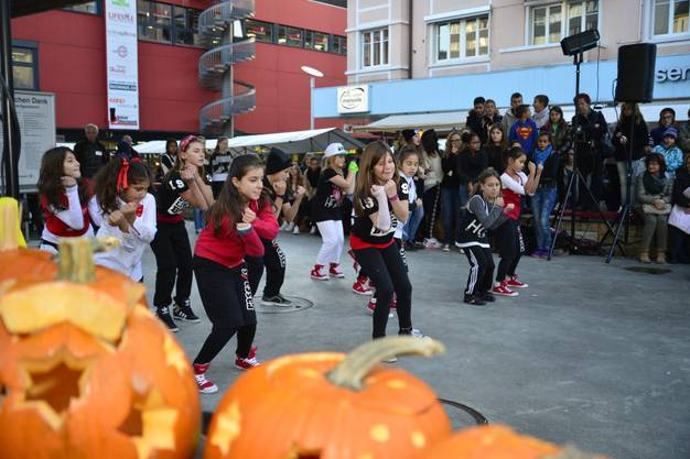 Streetdancegruppe von Sarah Cattin Steiner 3