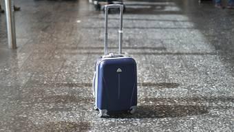 Aus dem kleineren Handgepäck an Bord von Flugzeugen wird nichts, die IATA krebst zurück (Archiv)