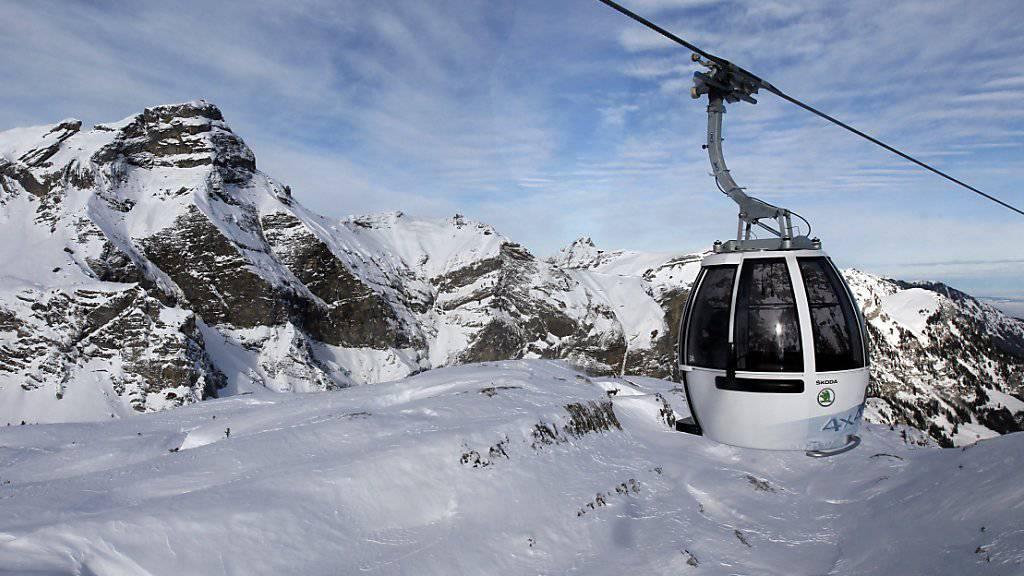 Eine Studie soll prüfen, ob das Skigebiet Melchsee-Frutt im Kanton Obwalden mit den Gebieten Engelberg-Titlis und Meiringen-Hasliberg zusammengeschlossen werden kann. (Archivbild)