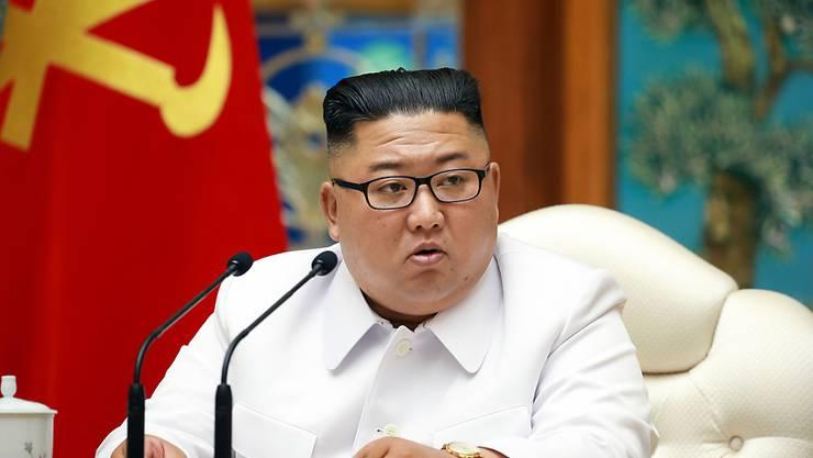 ARCHIV - Auf Vorschlag von Nordkoreas Machthaber Kim Jong Un hat das Politbüro der Arbeiterpartei einen neuen Premierminister ernannt. Foto: -/KCNA via YNA/dpa - ACHTUNG: Nur zur redaktionellen Verwendung im Zusammenhang mit der aktuellen Berichterstattung und nur mit vollständiger Nennung des vorstehenden Credits