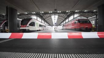Zugentgleisung in Luzern: Die Bergung des Zuges, Passagiere am Bahnhof gestrandet