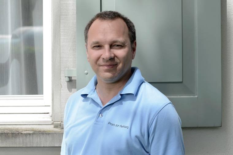 Dr. med. Raphael Stolz (Bild: zVg)