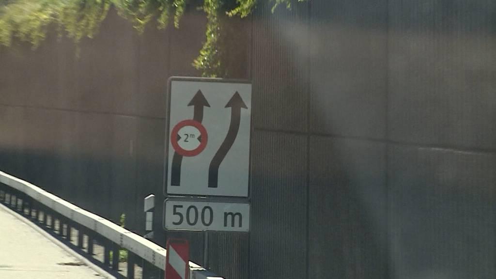 Nur wenige SUV-Fahrer kennen das Überholspur-Verbot bei Baustellen