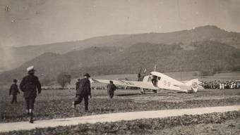 25. September 1921: Eine Junkers F 13 ist soeben auf dem Balsthaler Moos gelandet.