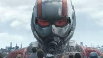 """Paul Rudd in einer Szene aus """"Ant-Man and the Wasp"""". Der Film hat am Wochenende in Nordamerika am meisten Geld in die Kinokassen gespült. (Archivbild)"""