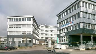 Die Firma Varian in Dättwil sucht Ingenieure und steht mit General Electric in Kontakt, wo Stellen abgebaut werden.