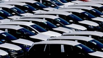 Die Corona-Krise zeigt deutliche Bremsspuren bei der Neuzulassung von Autos in der Schweiz. (Archiv)