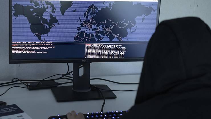 Aus dem Iran sind nach Angaben von Microsoft hunderte Cyber-Angriffe auf Ziele in Verbindung mit dem US-Präsidentschaftswahlkampf unternommen worden. (Symbolbild)