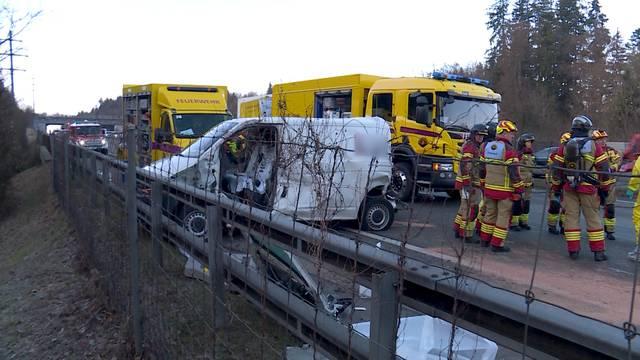 1 Stunde Stau nach Unfall auf A1 Richtung Zürich